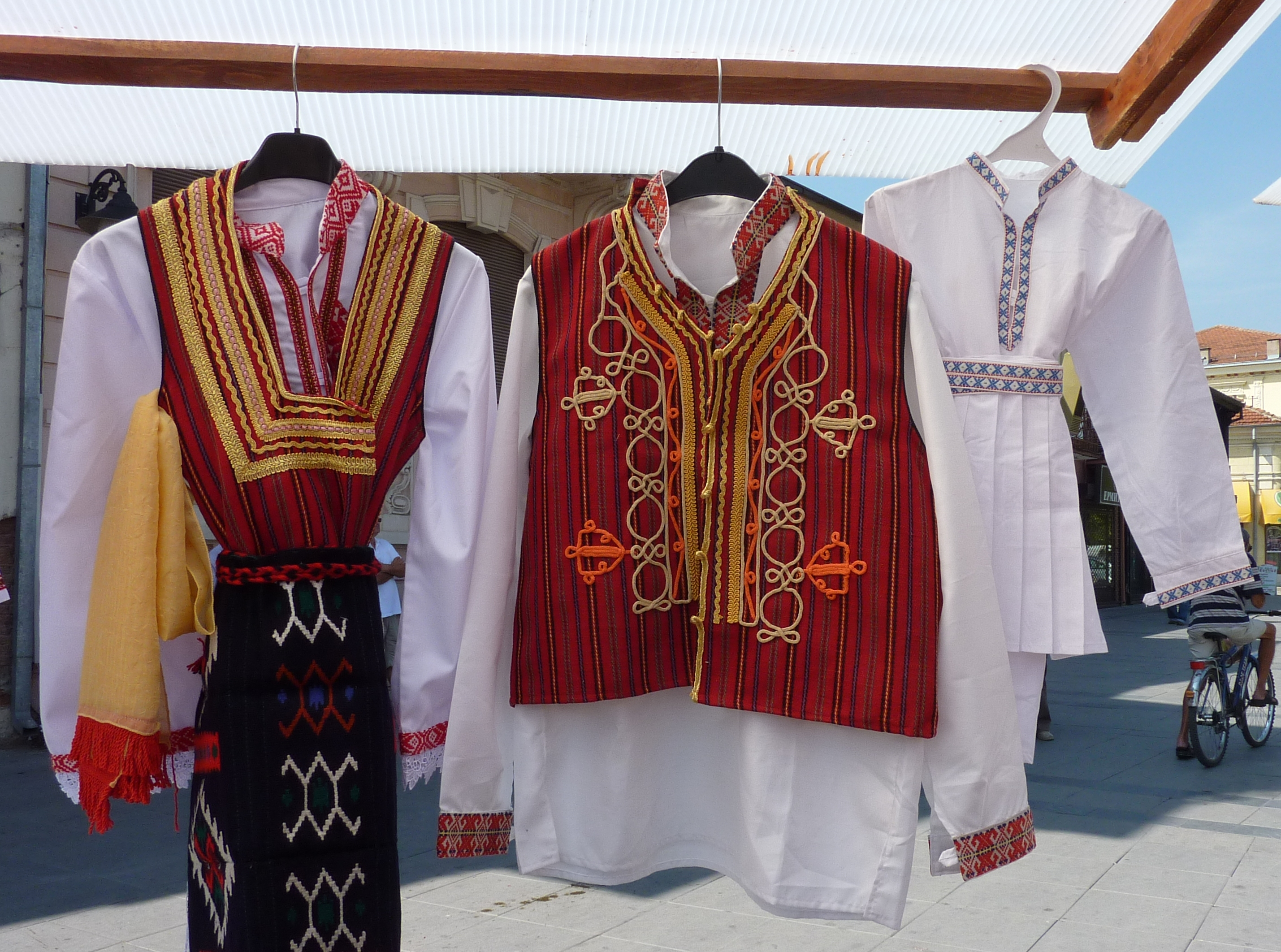 fcdd5a40fb90 Traditional Clothing for sale
