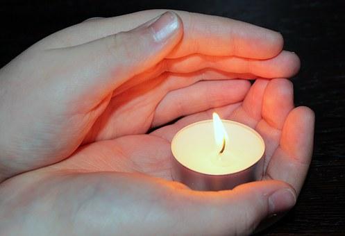 candle-1240376__340