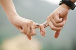 hands-437968__340